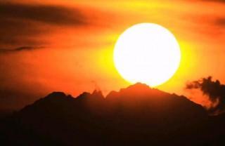 奥穂高岳に沈む夕日